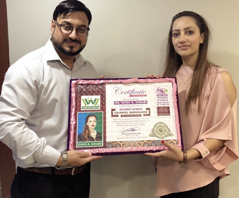 H.E.Sania-Ansari-Wonder-Women-Award-1